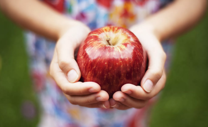Apple | 11 Foods That Are Good for Your Heart